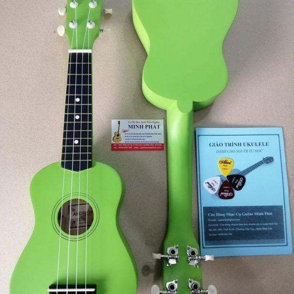 dan-ukulele-mau-xanh-la-tại-quan-binh-tan-tphcm