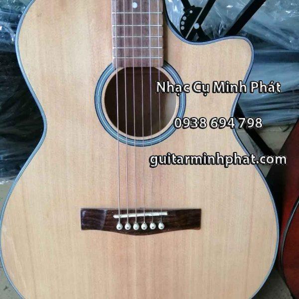 Đàn guitar cho ngươi mới học - mặt top thông cho âm thanh vang và chắc - Nhạc cụ minh phát