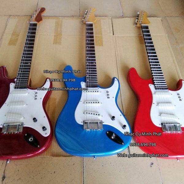 mua-dan-guitar-co-dien-phim-lom-tai-quan-binh-tan-tphcm