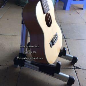 Chân guitar chữ A